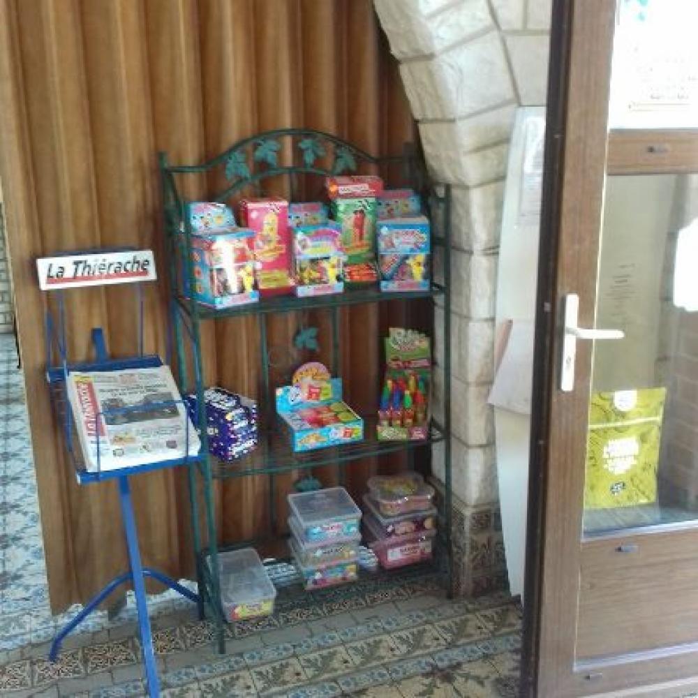 Vente de bonbons à Oisy (Aisne)
