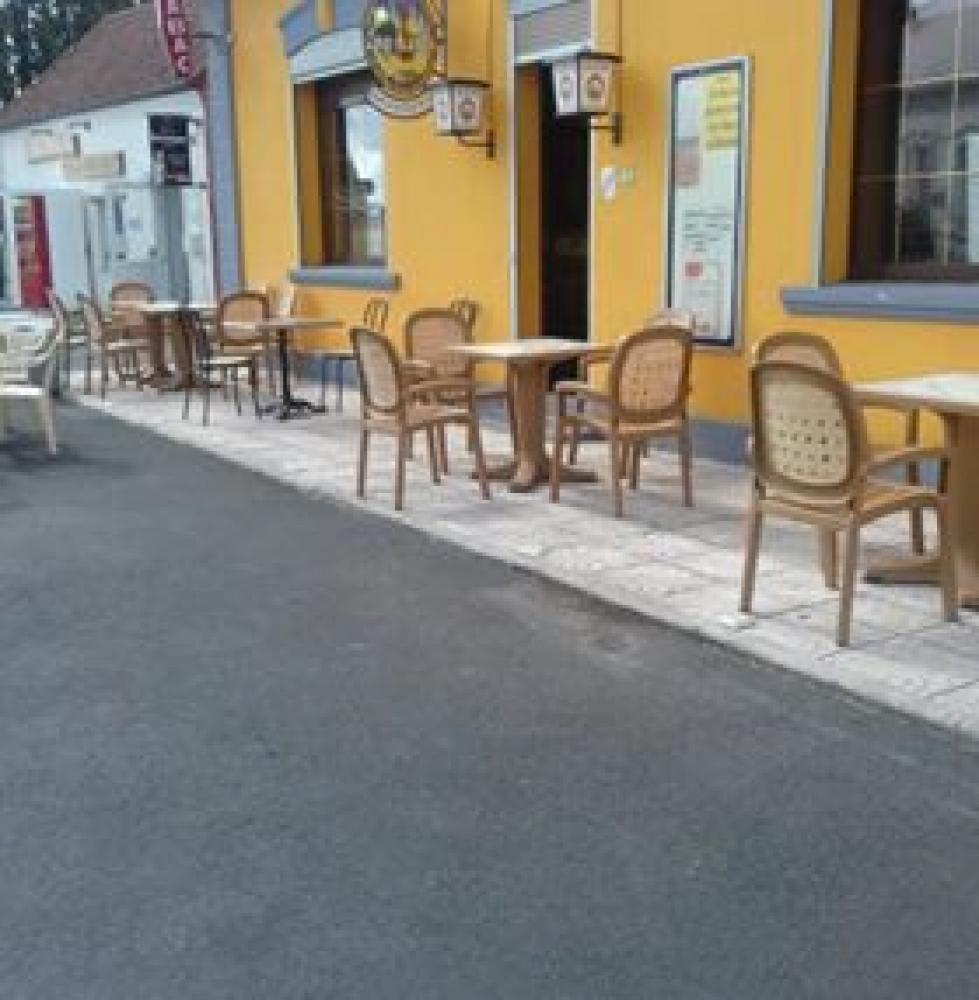 Bar, brasserie et terrasse extérieure à Oisy (Aisne)
